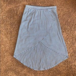 5/$25❗️Faux wrap hi-lo skirt